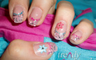 Gélové nechty s kvetinkami