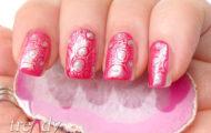 Ružovo strieborná manikúra