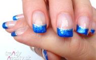 Modrá manikúra