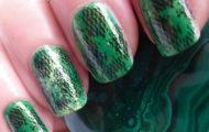 Zelený lak s pečiatkou