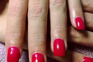 Červené gélové nechty