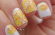 Žlto oranžový vzor na nechty
